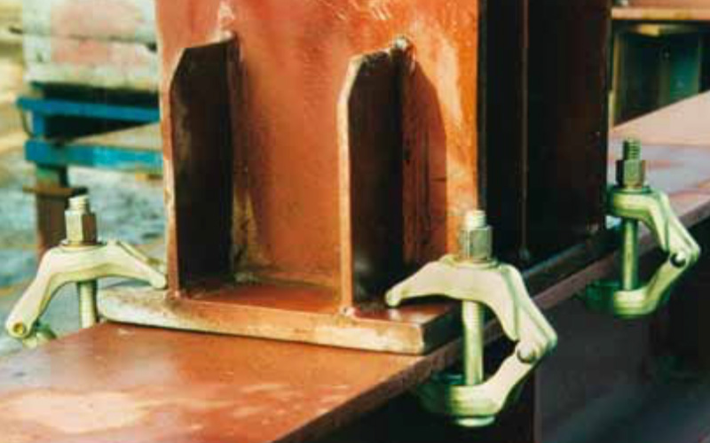 Titan Universal beam clamp